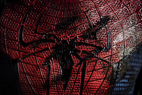 Spiderman pateando traseros en 2012