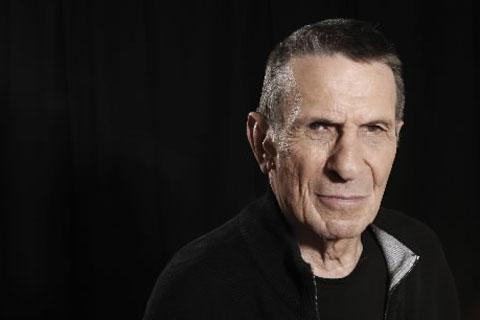 Leonard Nimoy también es el Sr Spock!