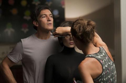 Antonio Banderas y Elena Anaya reciben maquillaje