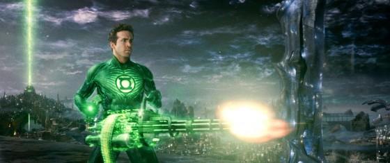 Ryan Reynolds usando su pequeño amiguito.