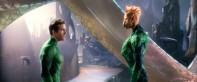 Ryan Reynolds también tiene los poderes de Aquaman, para hablar con los peces.