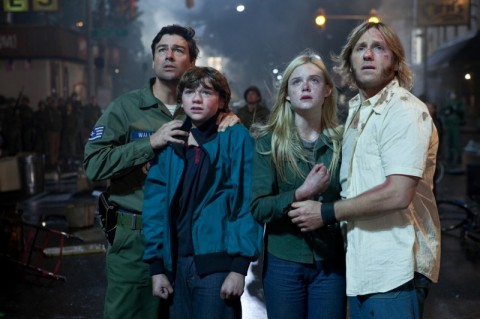 Super 8 Elle Fanning Joel Courtney Kyle Chandler Ron Eldard