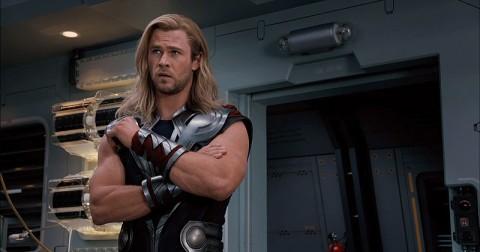 Thor estrenando traje
