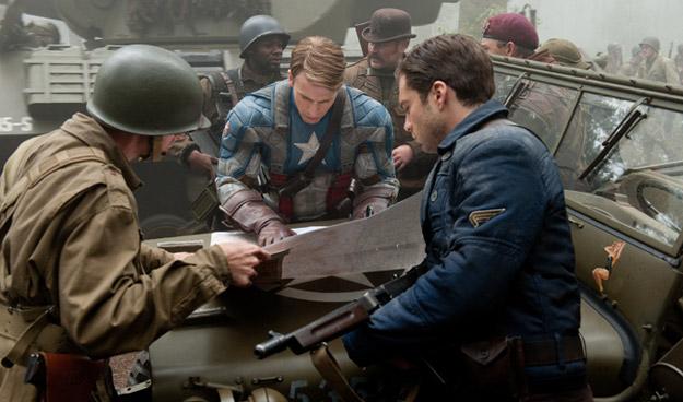 Bucky y el cap planeando un ataque lleno de FUA
