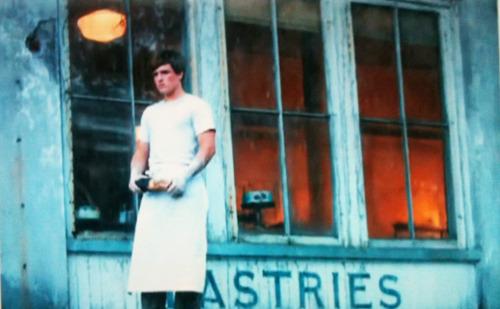 Peeta fuera de su panaderia