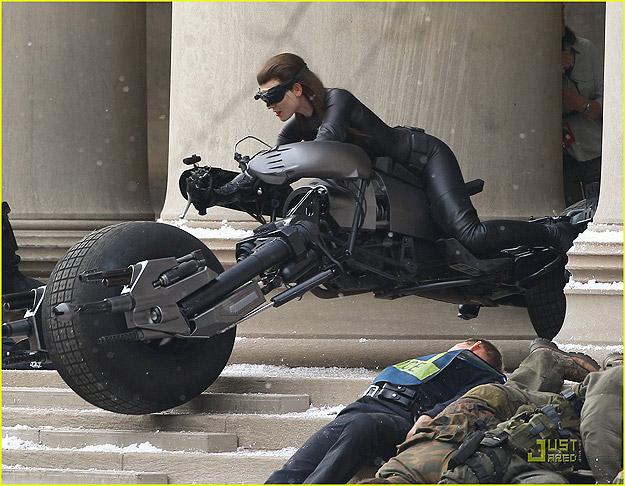 Se roba la moto de Batman!!!