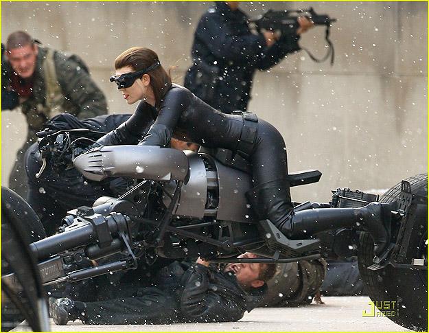 Catwoman aunque su traje no lo paresca.