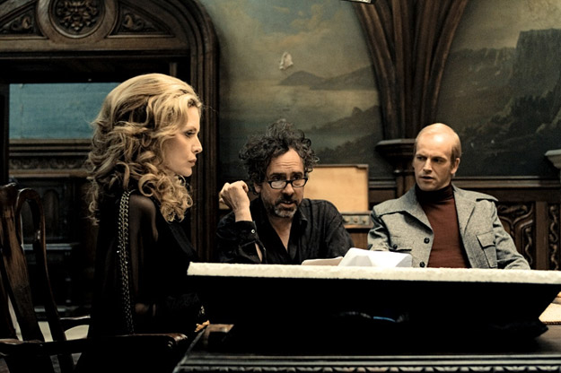dark shadows michelle pfeiffer tim burton jonny lee miller