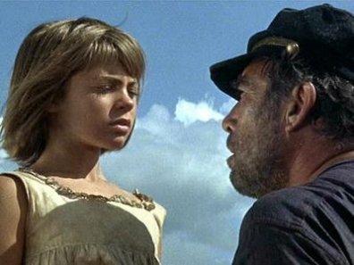 Quinn demuestra que puede ser un capitán pirata duro y un hombre de buen corazón a la vez