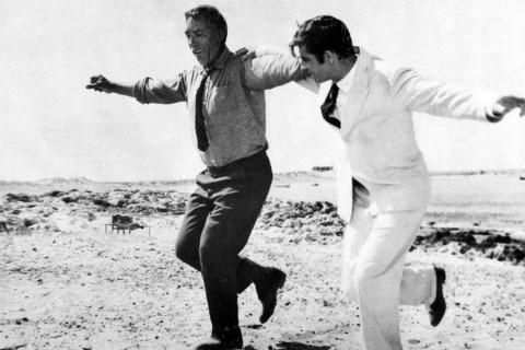Quinn haciendo su baile más famoso en Zorba el griego