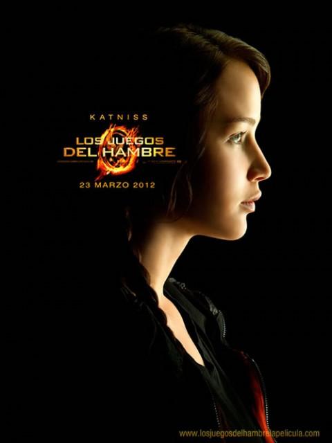 Katniss Everden... tributo del distrito 12... la chica en llamas...