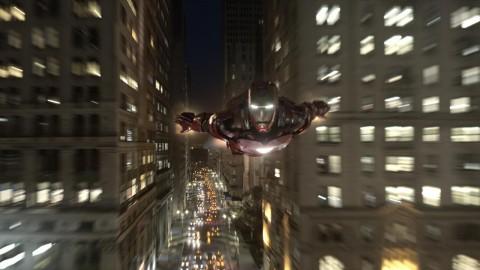 Iron Man acelerando a todo