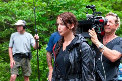 Jennifer Lawrence en el set de THE HUNGER GAMES.