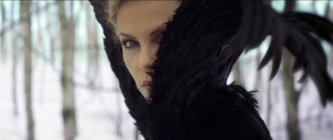 charlize theron blancanieves cazador