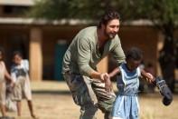 gerard butler africa rescate