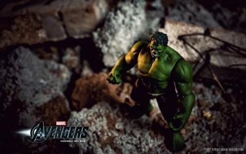 Hulk aun en juguete es poderoso