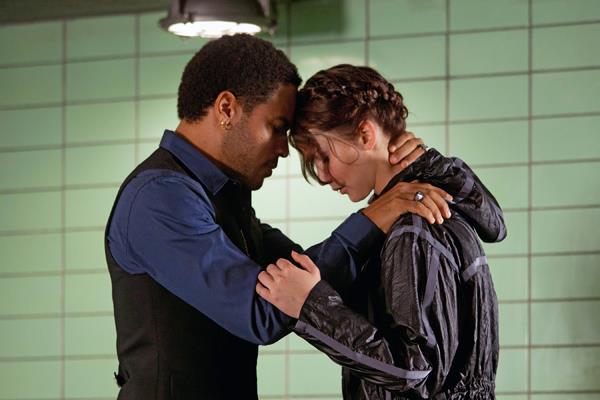 Katniss y Cinna se despiden