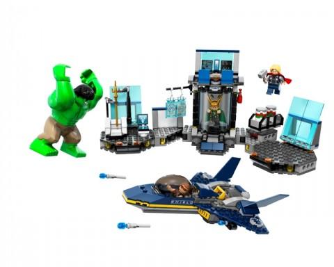 Hulk detruye los legos