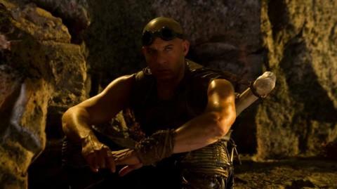 Riddick descanzando para matar tipos