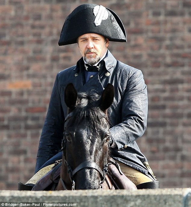 russell crowe miserables javert