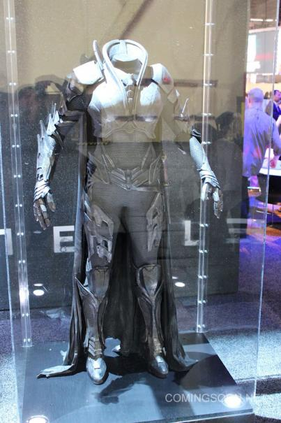 faora traje man of steel