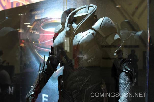 traje faora man of steel