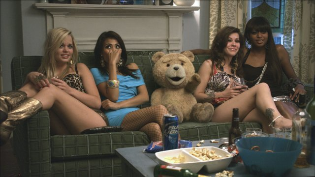 ted oso chicas pelicula