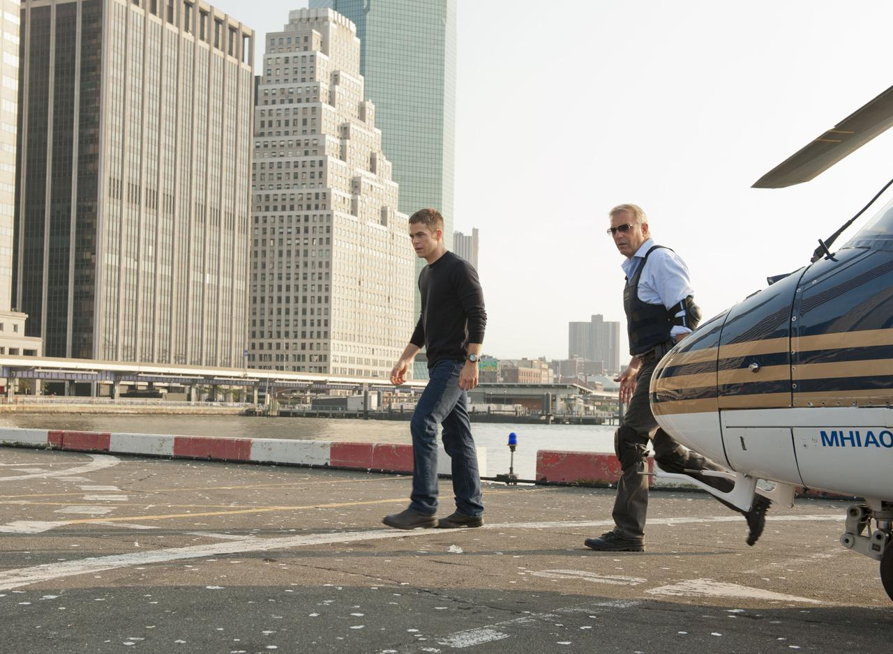 jack ryan chris pine kevin costner