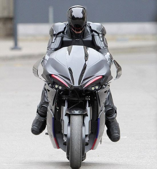 robocop 2014 motocicleta