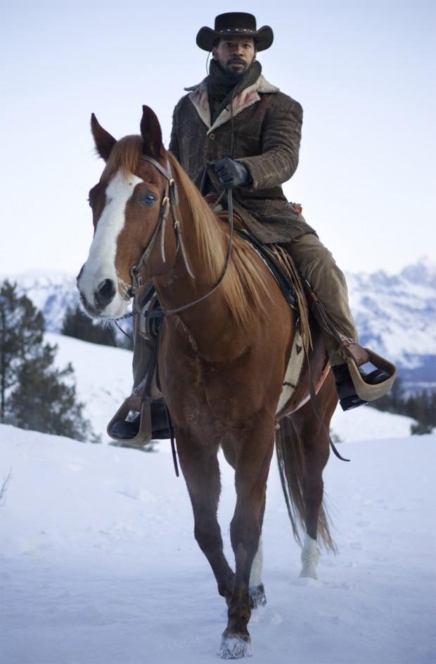 django sin cadenas montado caballo