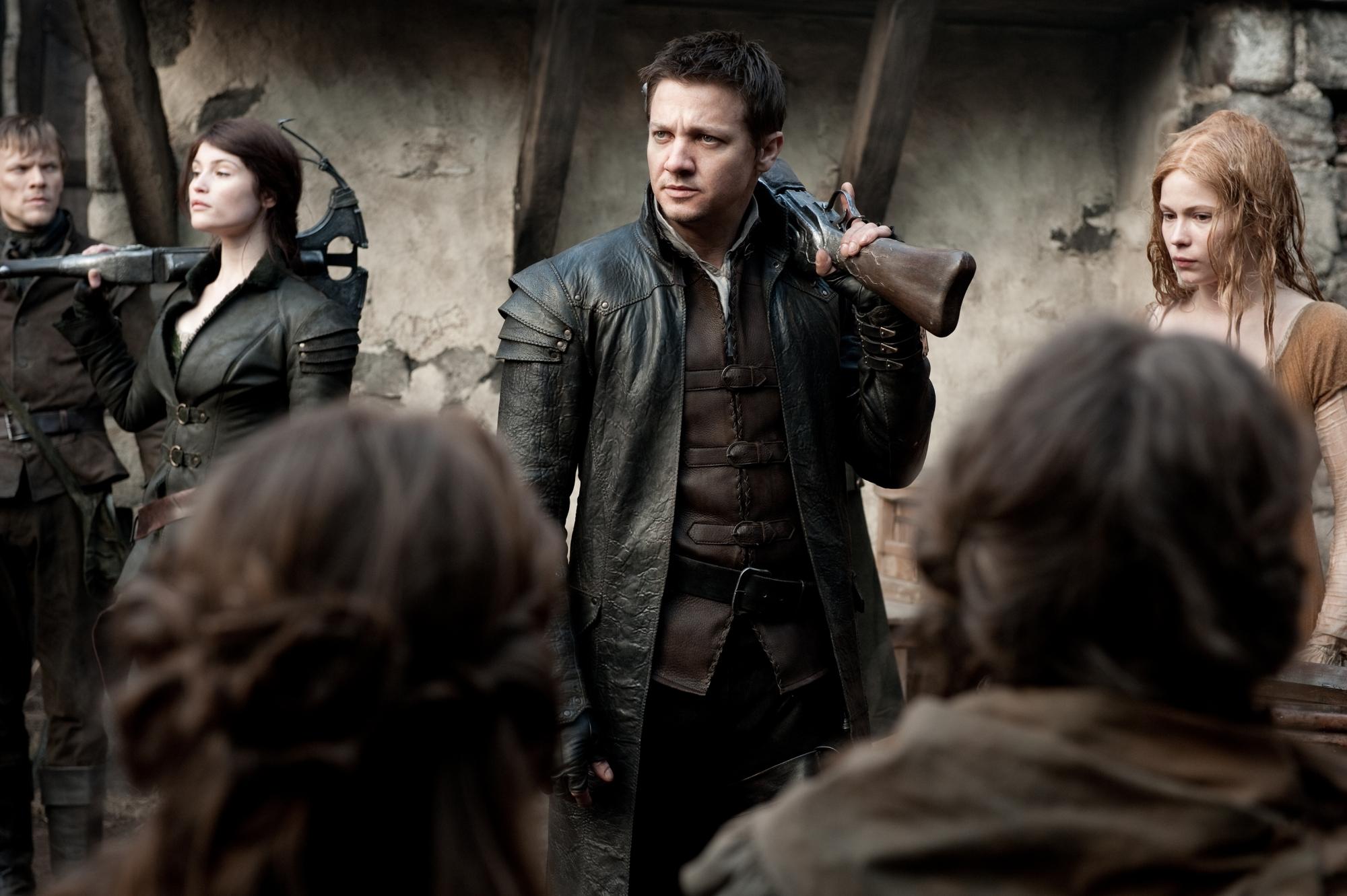 jeremy renner hansel cazadores brujas