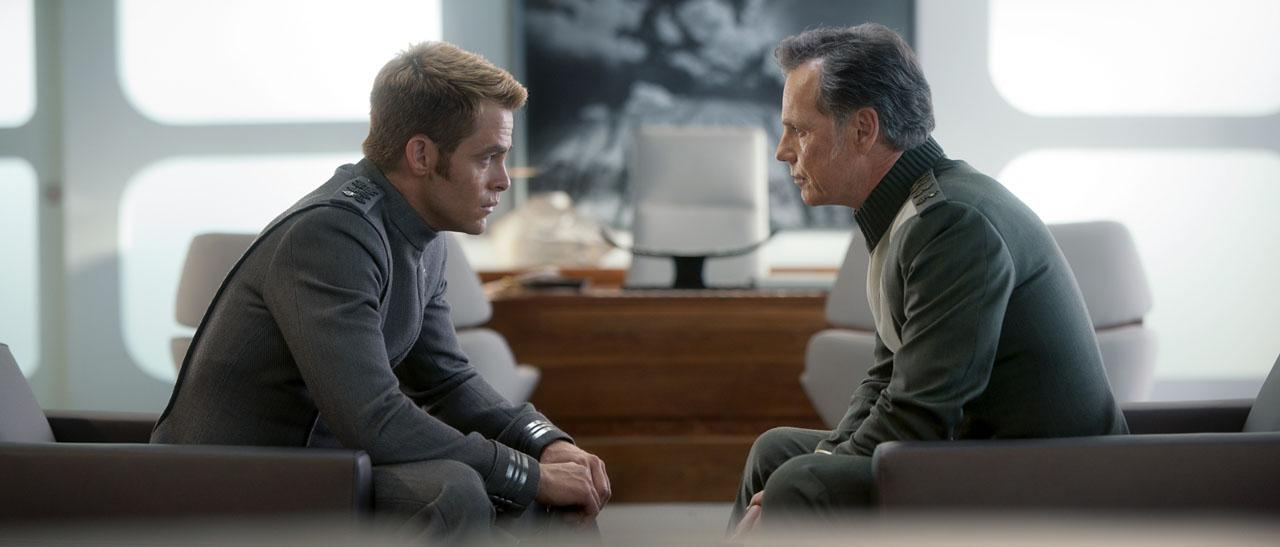 chris pine bruce greenwood star trek oscuridad