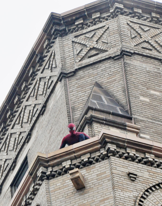 observando a gwen stacy el sorprendente hombre araña 2