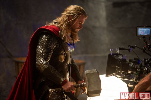 chris hemsworth set thor un mundo oscuro