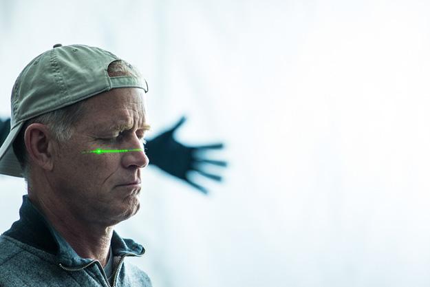 sorprendente hombre araña 2 mano laser