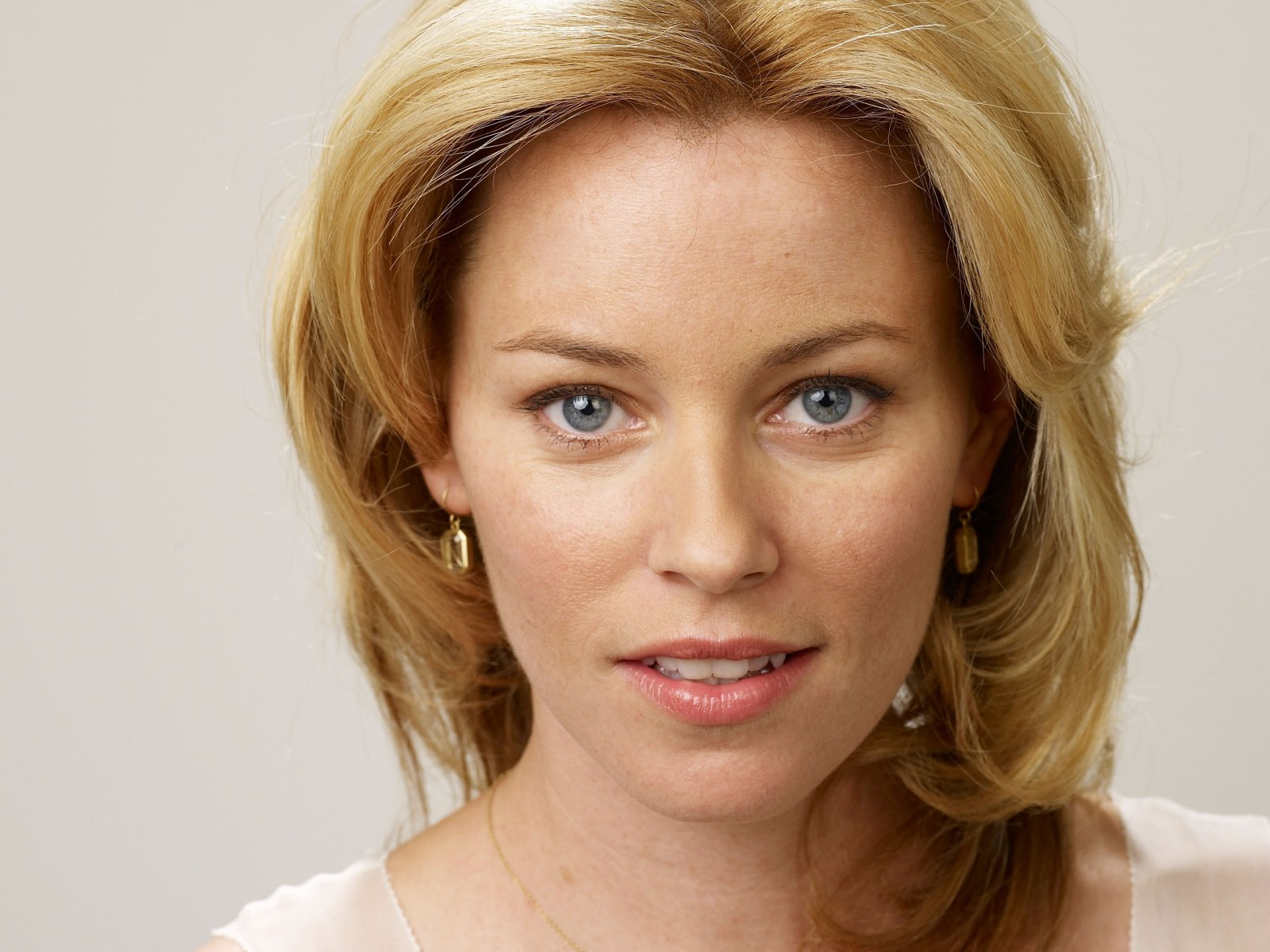 elizabeth banks wallpaper