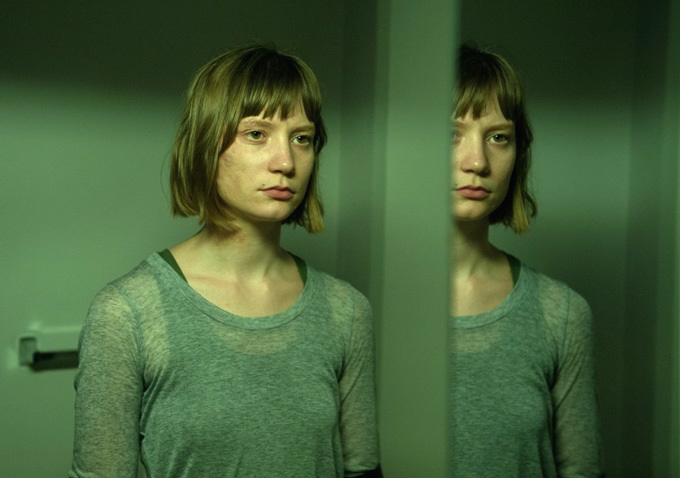 mia wasikowska maps to the stars