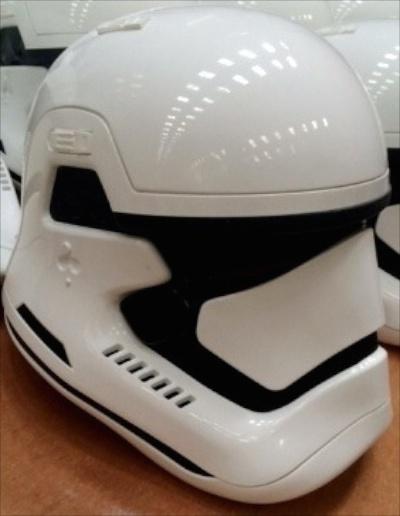 casco stormtrooper episodio 7