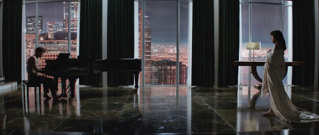 dakota johnson jamie dornan cincuenta sombras grey piano