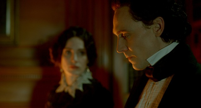 cumbre escarlata tom hiddleston jessica chastain
