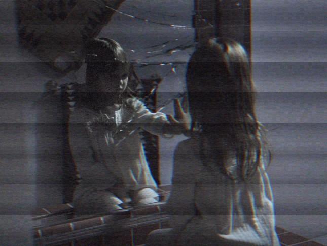 espejo actividad paranormal dimensión fantasma