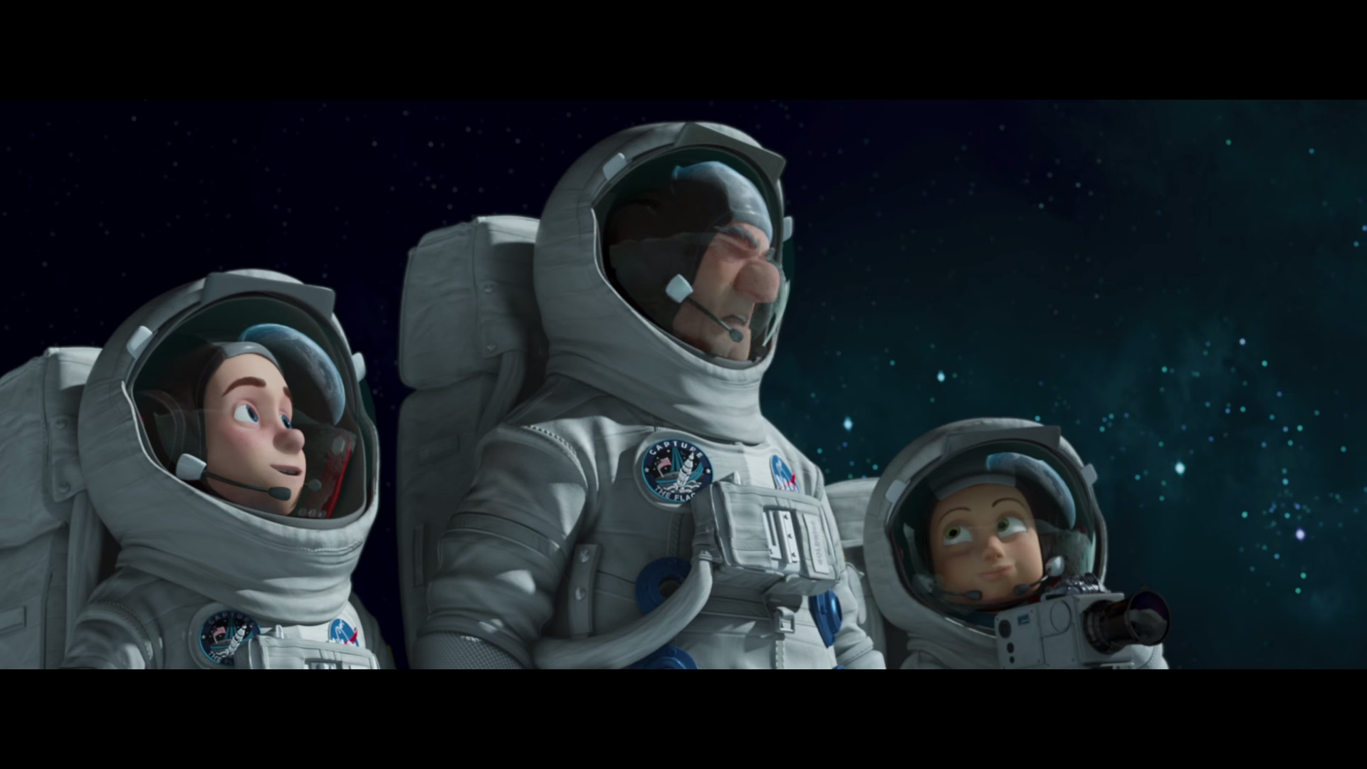 familia espacial paramount pelicula