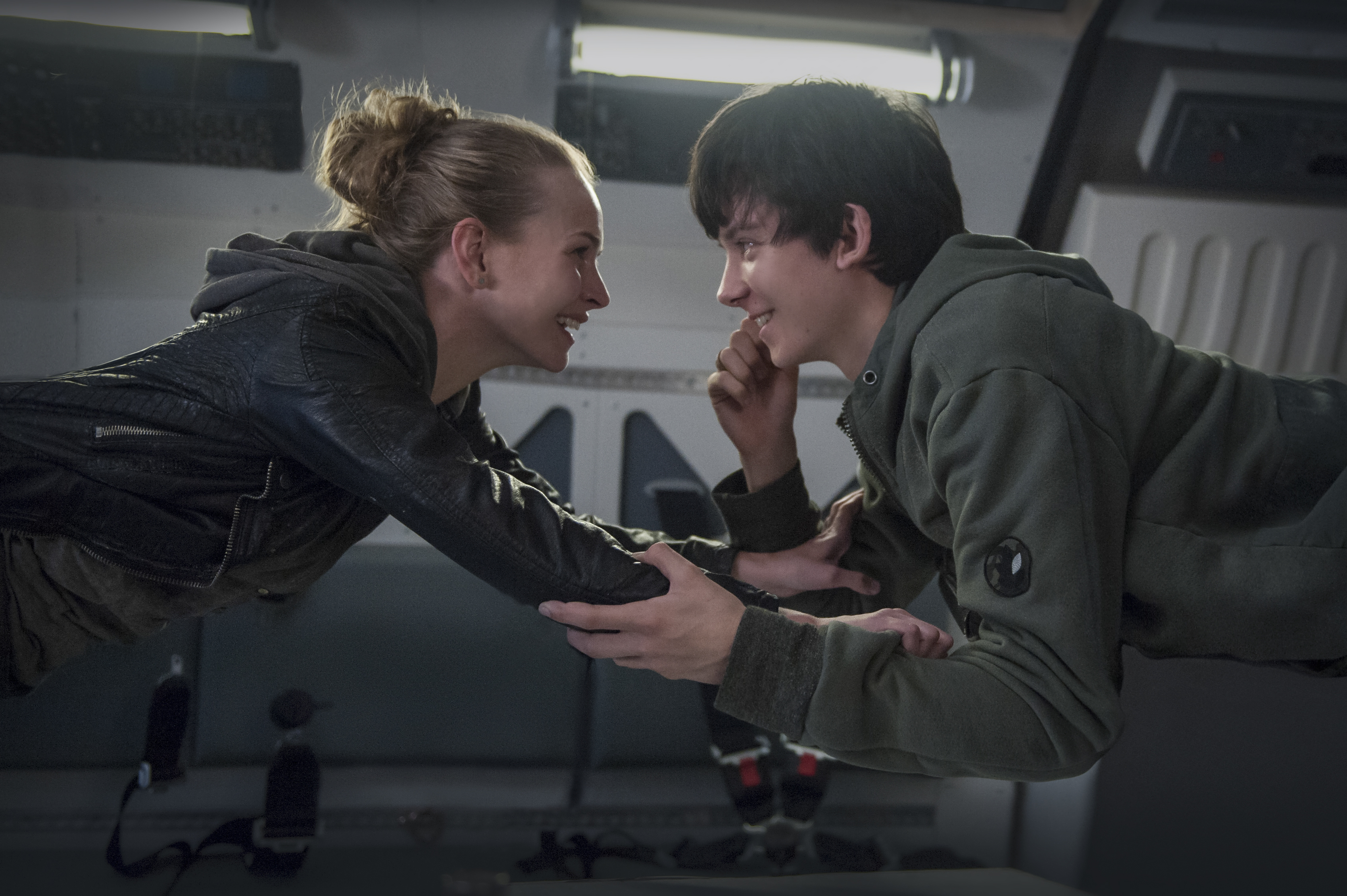 the space between us asa butterfield britt robertson