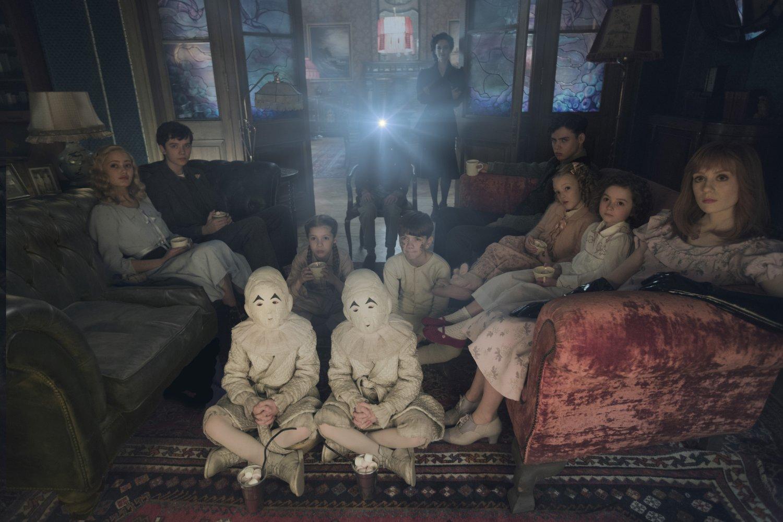 Miss Peregrine y los Niños Peculiares pelicula imagen