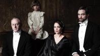 elenco childhood of a leader