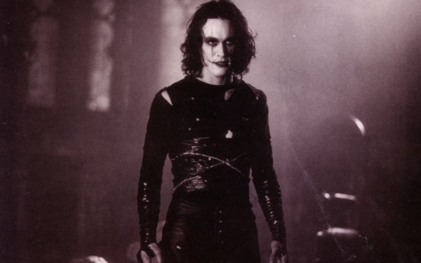the-crow-brandon-lee-600x375