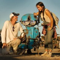 Transformers: The Last Knight - Michael Bay, Sqweeks e Isabel Moner