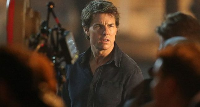 universal-unleashed-the-first-on-set-photos-of-tom-cruise-in-the-mummy-reboot-923186