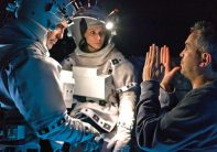 gravity-alfonso-cuaron-george-clooney-set-image-600x421