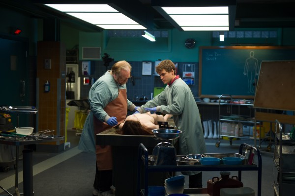 the-autopsy-of-jane-doe-brian-cox-emile-hirsch-600x399